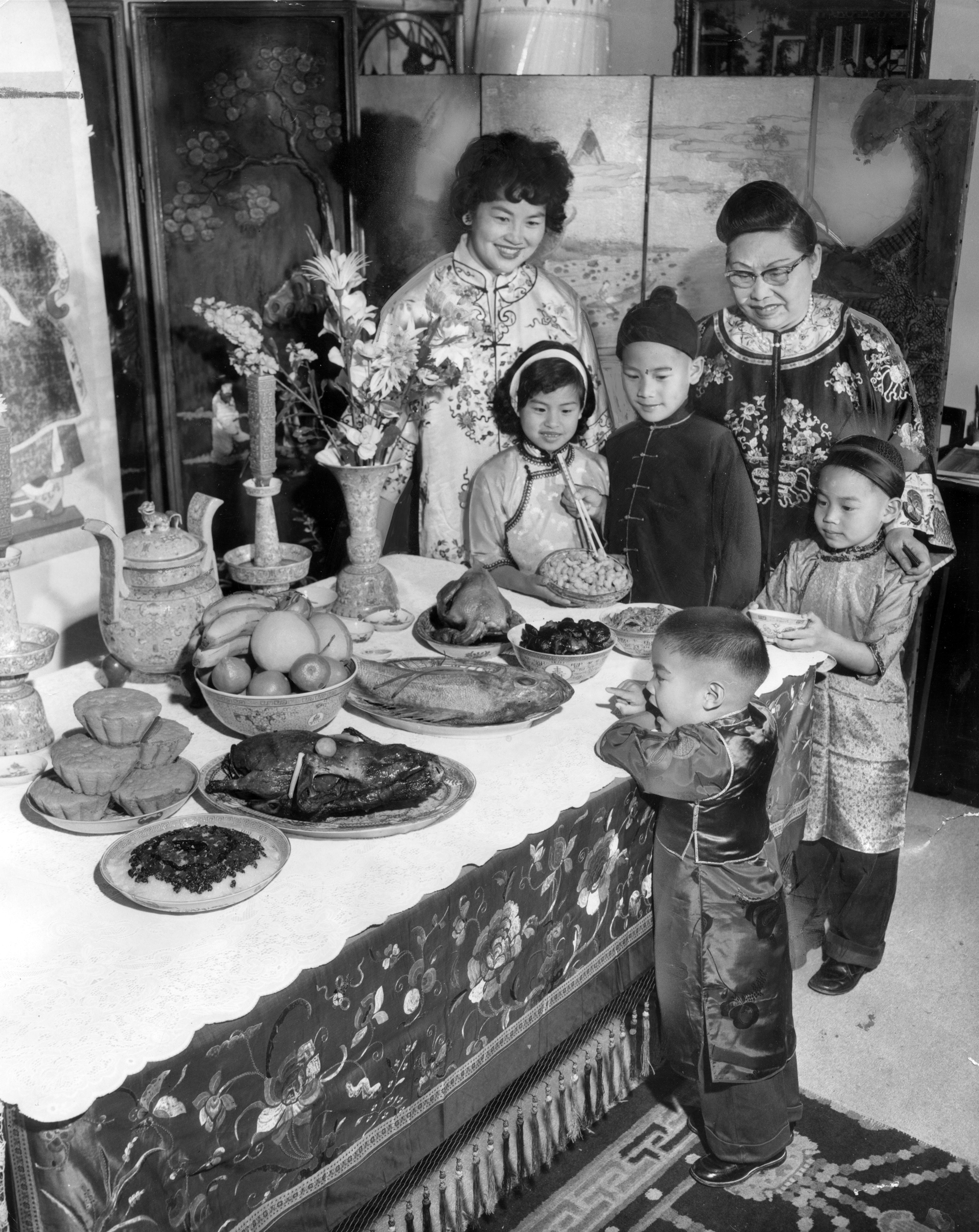 Traditional feast for Chinese New Year (1965)